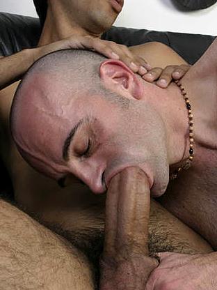 Gay Big Dick : Francesco takes dip - V2!