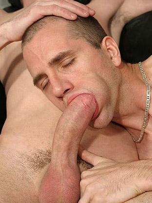 Gay Big Dick : Ricky - V2!