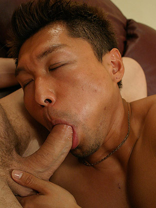 Neo his first huge cock