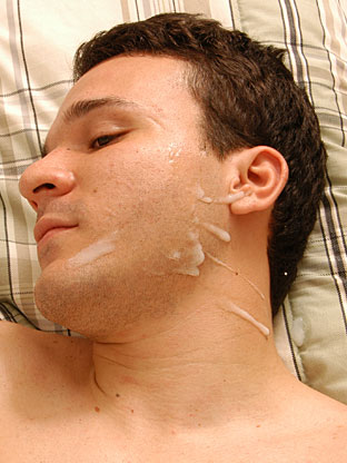 Gay Cum Facials : Charlie!