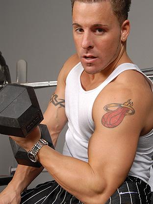 Gay Muscle Men : Billy C!