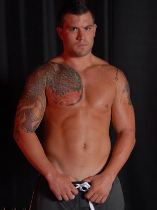 Gay Muscle Men : Alexander Rey!