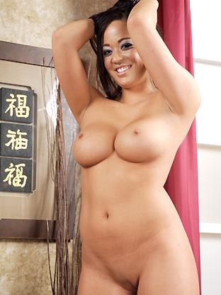 Asian Women : Laura Leilani!