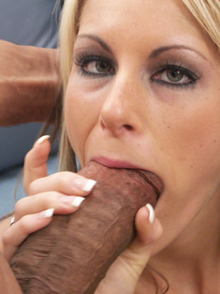 Big Cock Porn : Courtney Simpson - Hi Def!